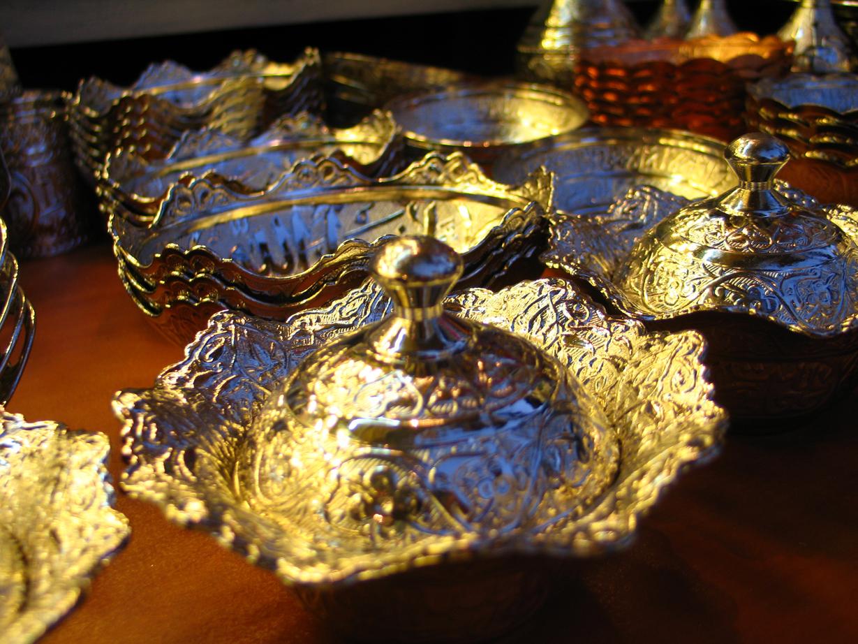 Come pulire l argento annerito dallo zolfo colonna porta - Come pulire argento in casa ...
