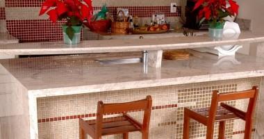 Come pulire penisola in marmo cucina