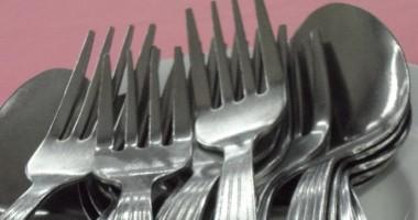 Come pulire forchette d'argento ossidato