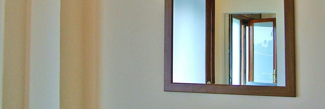 Come pulire specchio ossidato