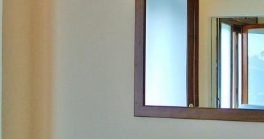 Come pulire specchio bagno dal calcare
